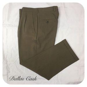 Claiborne Men's Taupe 32/30 Pleated Dress Pants